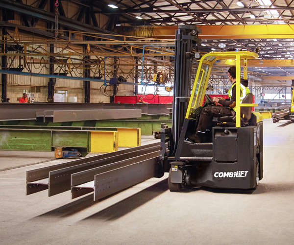 Combilift – COMBI CB – 4 way counterbalance forklift – Manufacturing - Long Load - Indoor