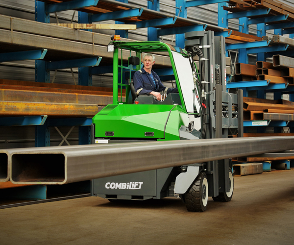 Combilift – COMBI CB – 4 way counterbalance forklift – Manufacturing - Steel Fabrication - Outdoor - Rack
