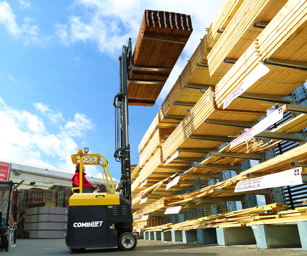 Combilift – COMBI CB – Multi Directional counterbalance forklift – handling long loads - Building Supply - DIY - Timber - Lumber - Outdoor